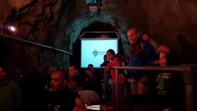 """Le film """"opération béton"""" projeté lors de la visite du barrage de la grande dixence"""