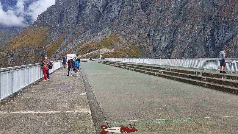 Le couronnement du barrage de la Grande Dixence