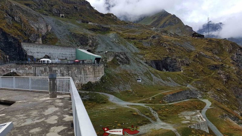 The upper station of the Grande Dixence dam cable car