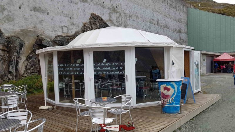 Le bar les choucas à côté de la station supérieure du téléphérique de la Grande Dixence