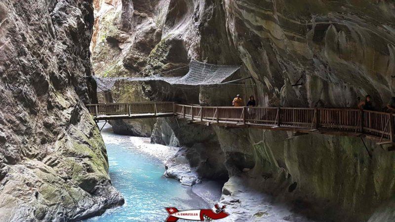 The footbridges along the Trient gorges.