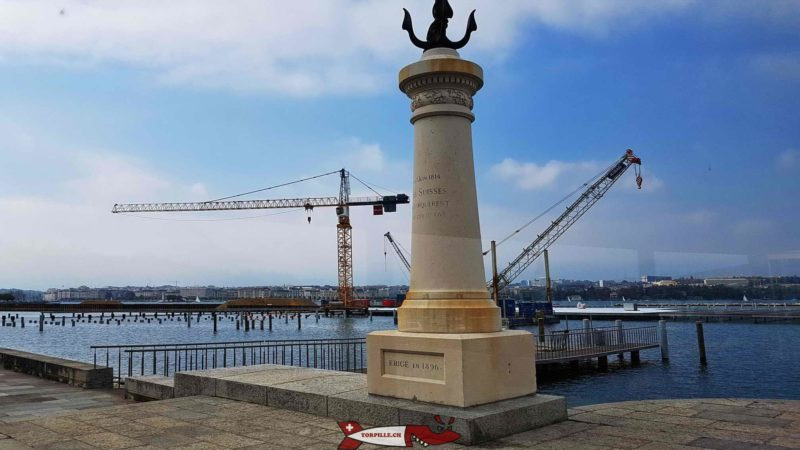 Une colonne à Port Noir sur la rive gauche de la rade de Genève pour se rappeler du débarquement des Suisses en 181
