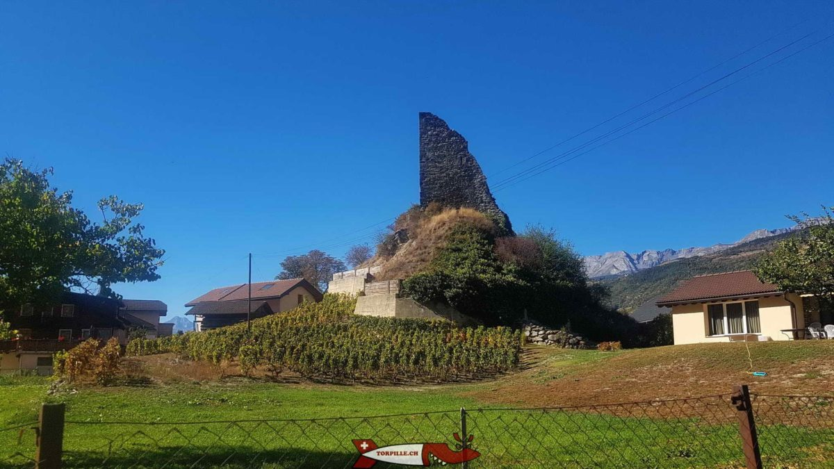 La tour de Chalais à l'était de ruine et non inventoriée par la Torpille.