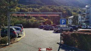 Le parking gratuit à Chalais pour prendre le téléphérique pour l'accrobranche de forêt aventures