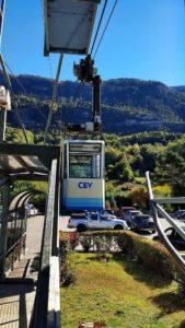 Le téléphérique à la station inférieure de Chalais pour accéder à l'accrobranche de forêt aventures