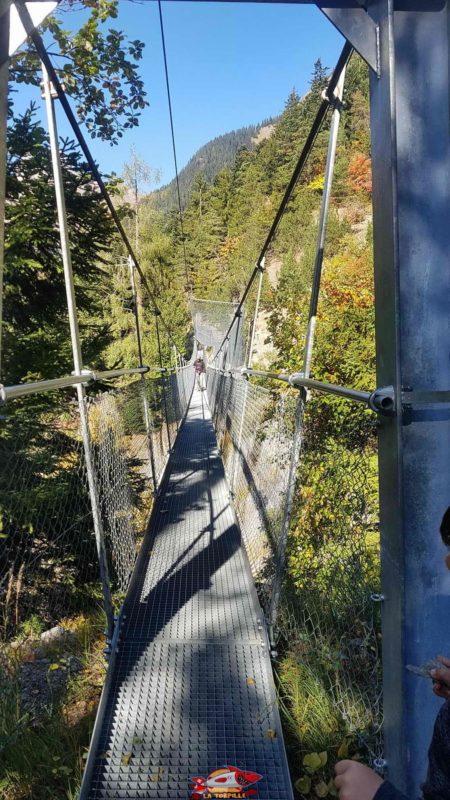 The fourth hanging bridge of the bisse of Savièse