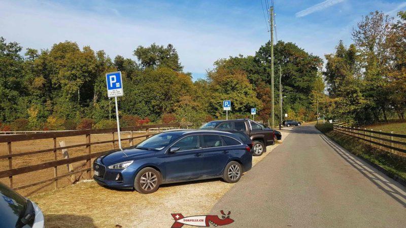 Le parking de la ferme de la Gavotte.