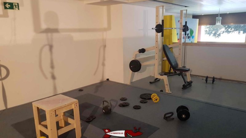 An area dedicated to totem weight training with vevey climbing
