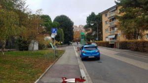 Les places de parking en zone bleue à côté du musée romain de Lausanne-Vidy