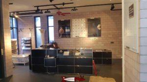 la réception au rez du musée romaind de lausanne-vidy