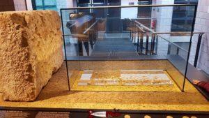 Des pièces de monnaie retrouvées sur le site de Vidy au musée romain de Lausanne-Vidy
