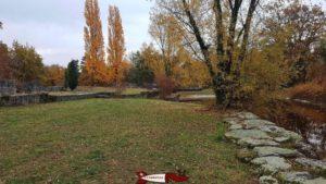 la reconstitution du bord du lac à l'époque romaine à l'extérieur du musée romain de lausanne-vidy