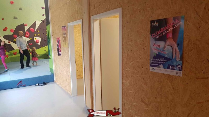 Changing rooms and toilets at Totem Climbing Ecublens