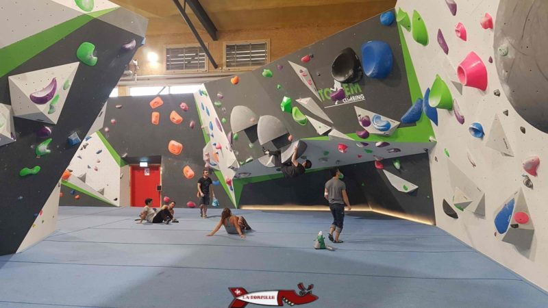 the inside of the room of Totem Climbing Ecublens