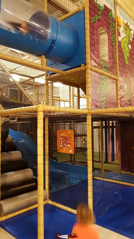 A big play structure to exercise one' s agility at jayland gland leisure center