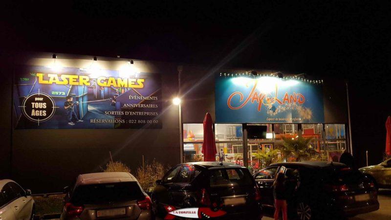 The entrance by night of Jayland Gland