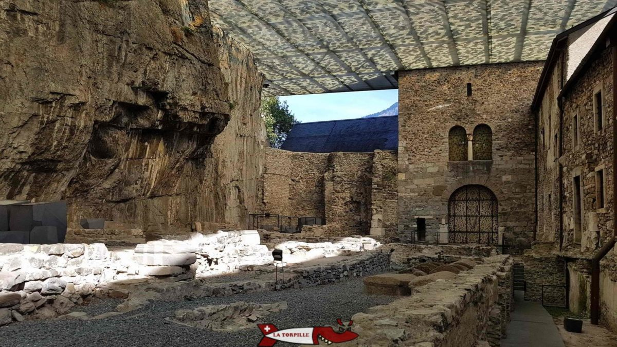 Les fouilles à côté de l'Abbaye de Saint-Maurice sur les premiers lieux de mémoires consacrés à Maurice.