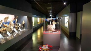 Reproduction of the famous Mauritius Dodo on the first floor of the Geneva Museum of Natural History