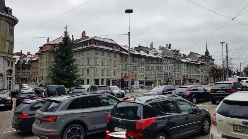 Le parking du musée gutenberg à côté de la cathédrale de Fribourg