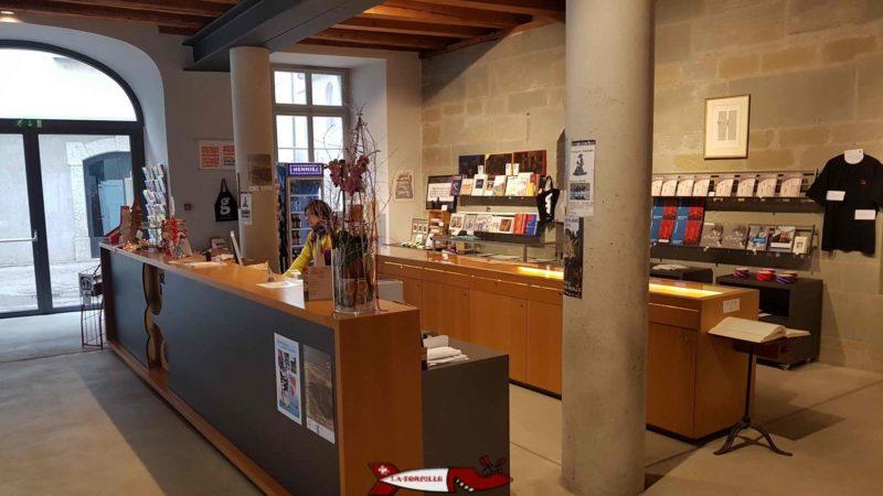 La réception et boutique du musée gutenberg à Fribourg