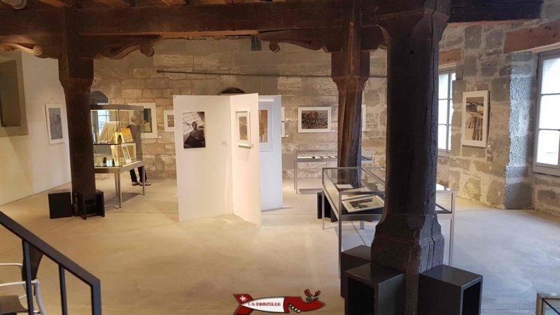 la salle d'exposition temporaire au rez du muése gutenberg à fribourg