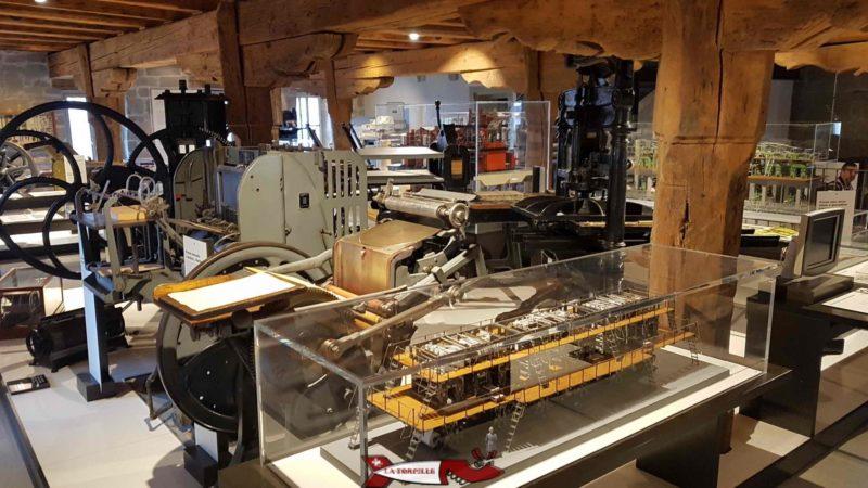 La salle consacrée à l'ère industrielle de l'imprimerie au 2e étage du musée gutenberg à Fribourg