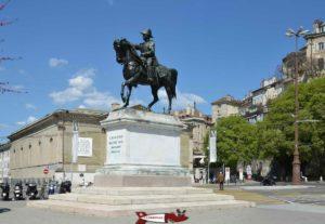 La statue équestre du Général Dufour à la place Neuve de Genève.