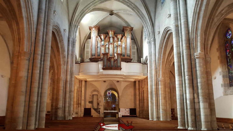 The nave and the heart dating from the 18th century - Cathedral of Sion