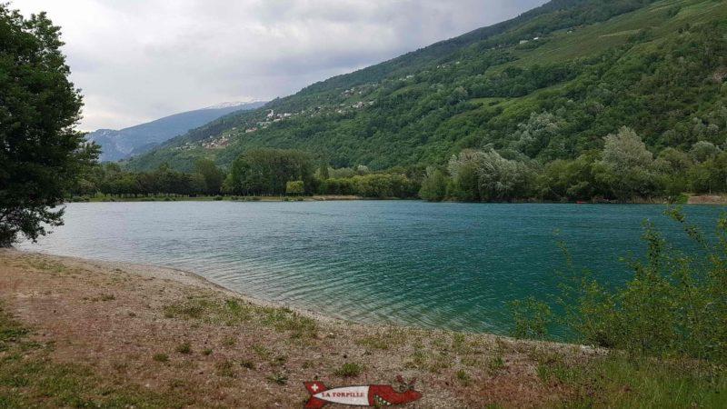 Le lac à côté de l'accrobranche parc aventure sion