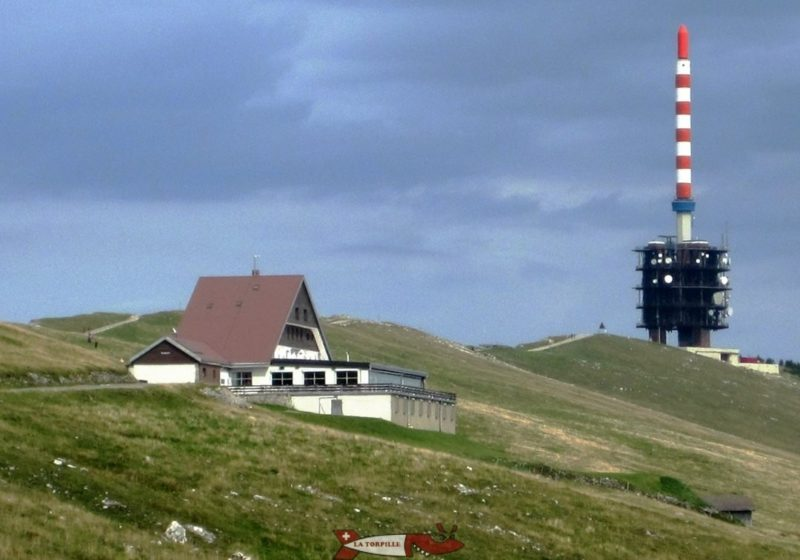 The naked summit of the Chasseral with the telecommunication tower and the restaurant.