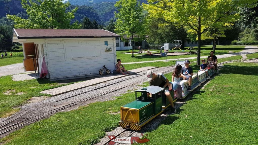 Le petit train de Sion arrêté au niveau du point de départ.