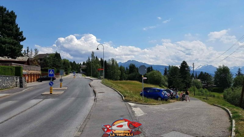 Le départ avec le parking à Pirraparc sur la droite.