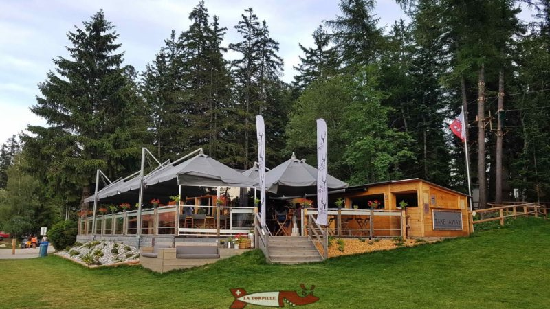 The restaurant of the beach of Lake Moubra.