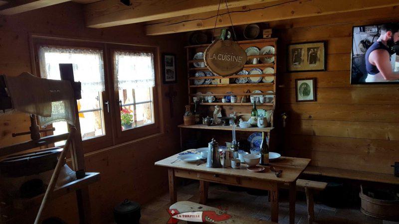 Un ancien espace de cuisine reconstitué.