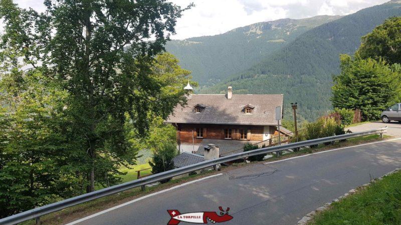Le chalet Dardel fondé en 1879 du nom du neuchâtelois d'origine qui aida au développement de la région de Nendaz