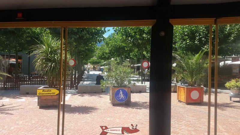 La place centrale depuis le petit train.