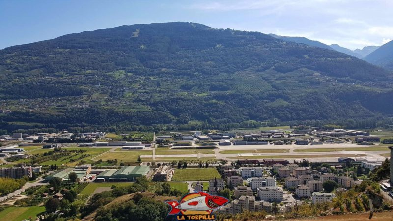 South view on the Sion aerodrome from the Siphon bisse.