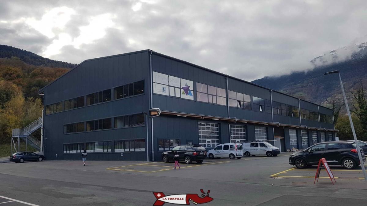 Le bâtiment qui contient Vertic-Halle Monthey.