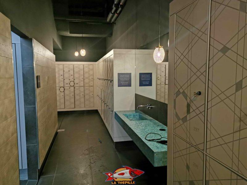 les vestiaires du bain bleu