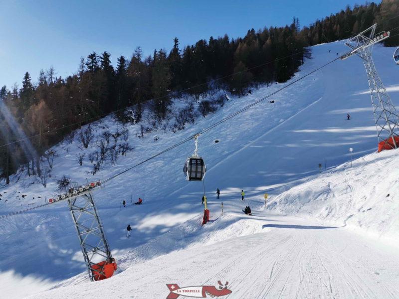 Un croisement avec la piste de ski.