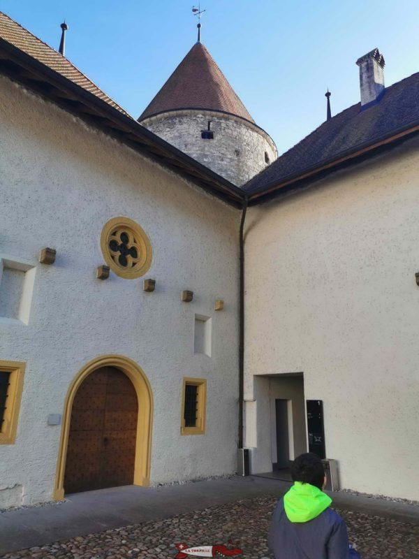 The courtyard with the keep.