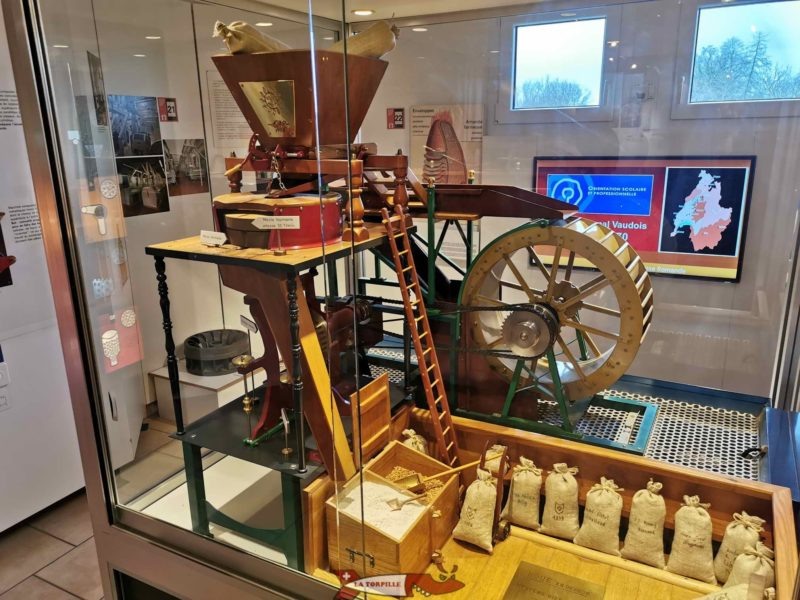 A magnificent functional model of a grain mill.
