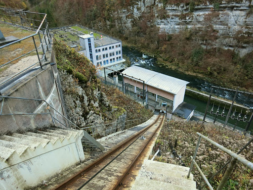 The descent of the funicular leading to the Châtelot hydroelectric plant.