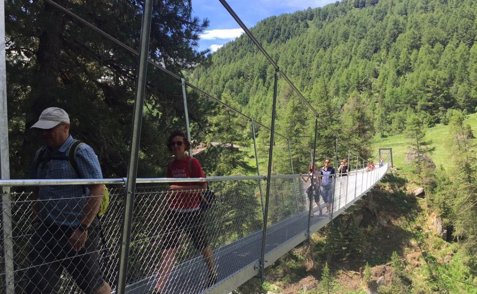 Le Pont suspendu de la Monta à Arolla.