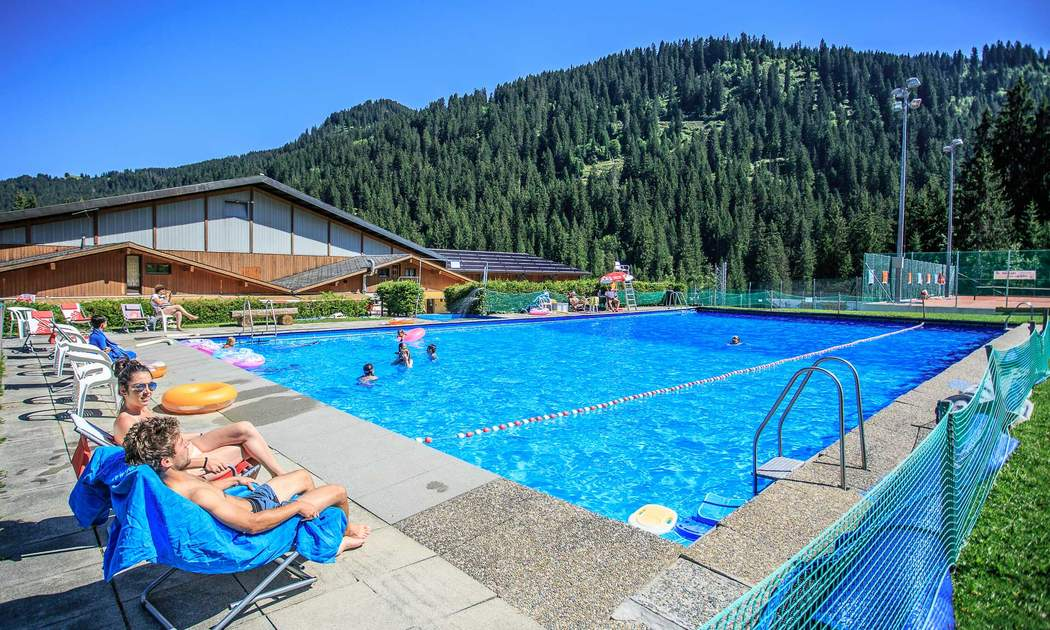 Morgins: Piscine plein air