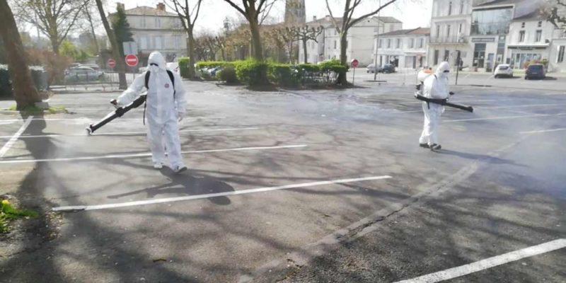 Le nettoyage de rues à la sulfateuse dans le Sud-Ouest de la France.