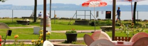 La jolie vue depuis le minigolf de Neuchâtel.