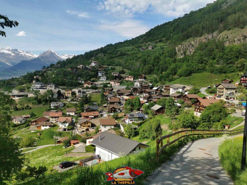 La vue sur la village de Brignon.