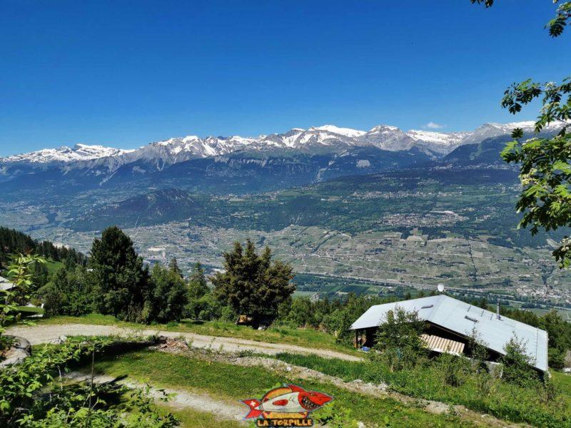 La vue direction Nord sur la vallée du Rhône.