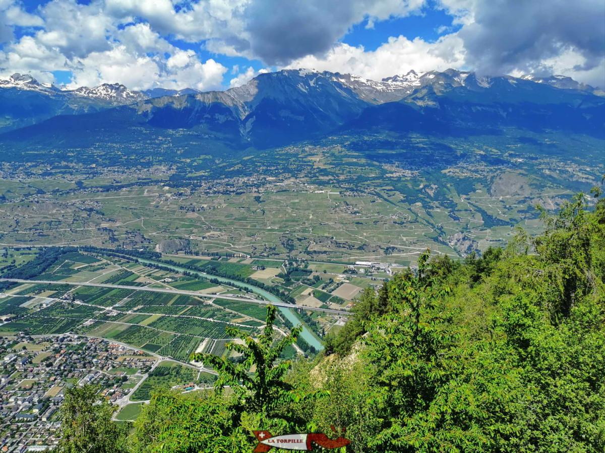 Le Rhône avant Sion depuis le belvédère de Nax.